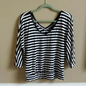 WHBM Striped top! B&W. Good condition! S.